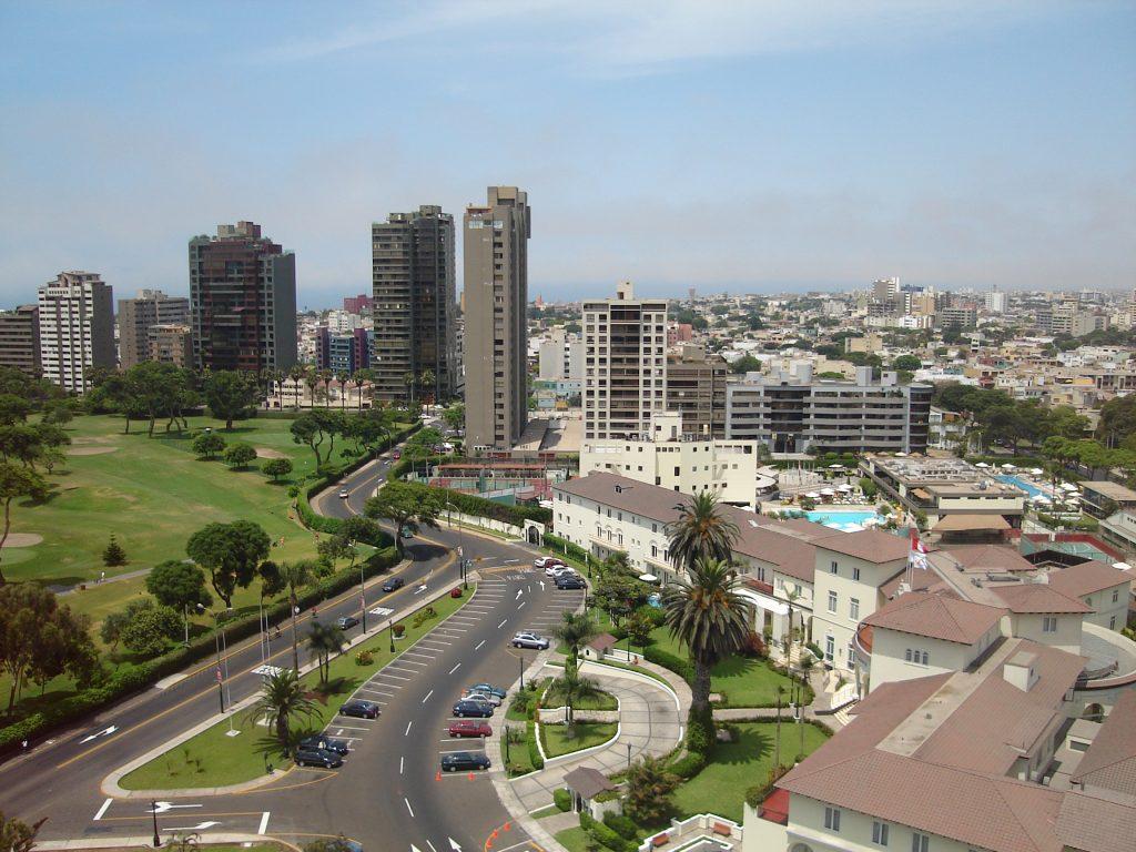 En Lima los precios de las propiedades en venta se mantienen. Properati presenta su último reporte inmobiliario con las cifras más importantes.